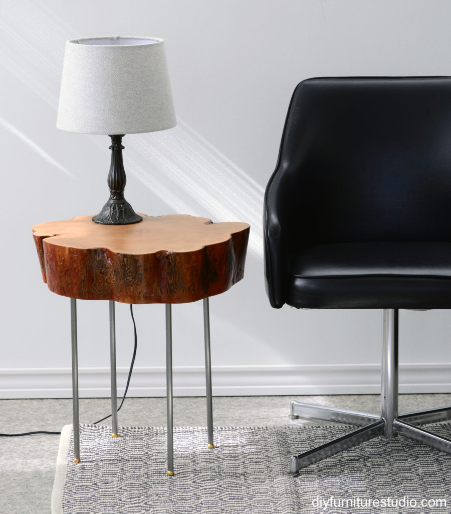 Live Edge Tree Slice Side Table with Legs made of Lamp Pipe | DIY ...