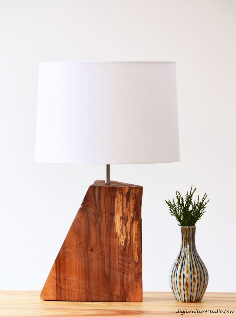 DIY rustic natural wood table lamp tutorial. DIY Rustic Natural Wood Table Lamp   DIY Furniture Studio