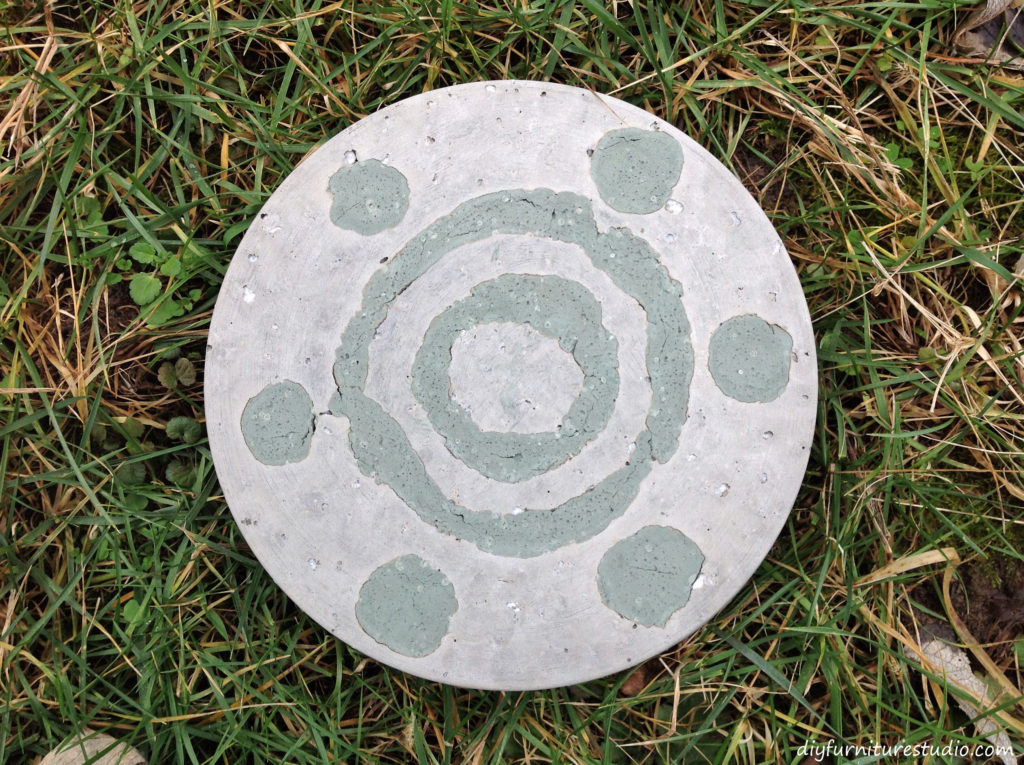 DIY Cement Stepping Stones with Colorful Design. Garden Art.